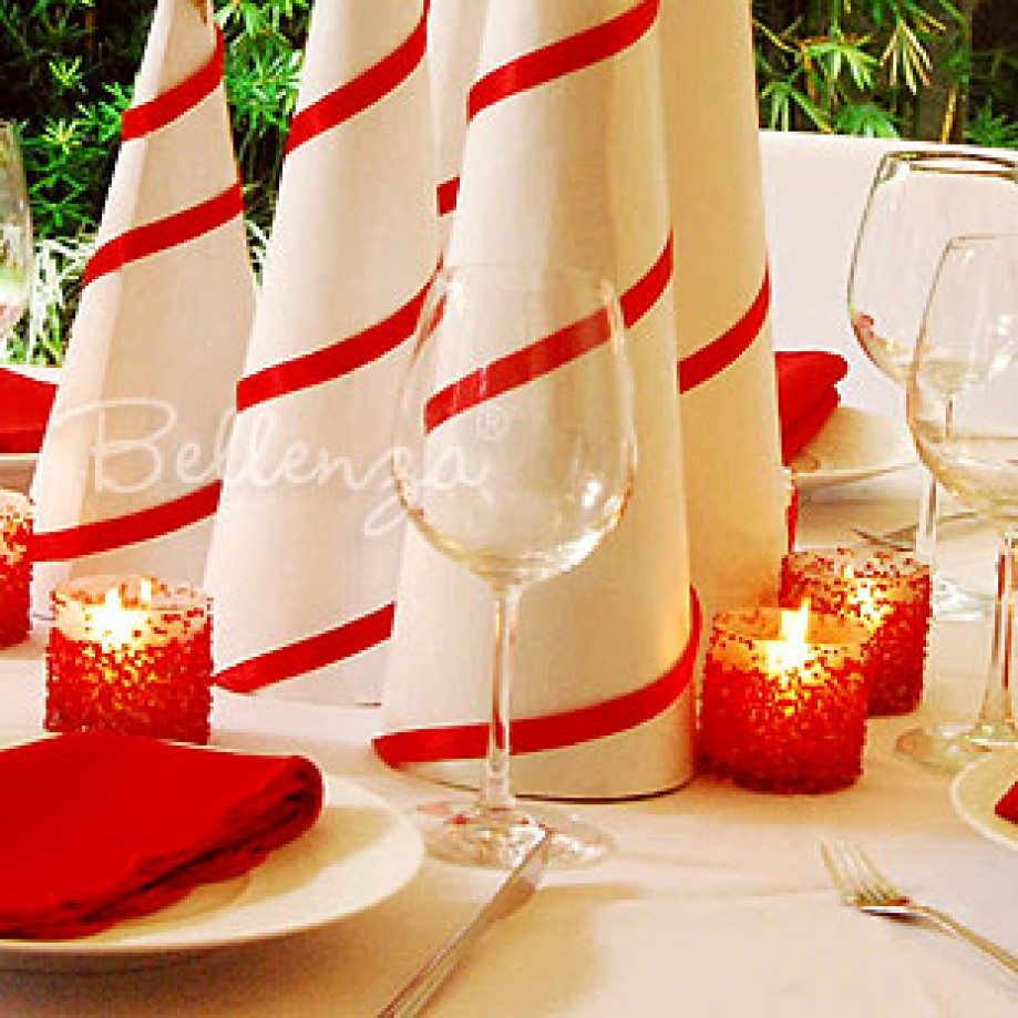 Peppermint inspired table setting. Photo credit: Bellenza