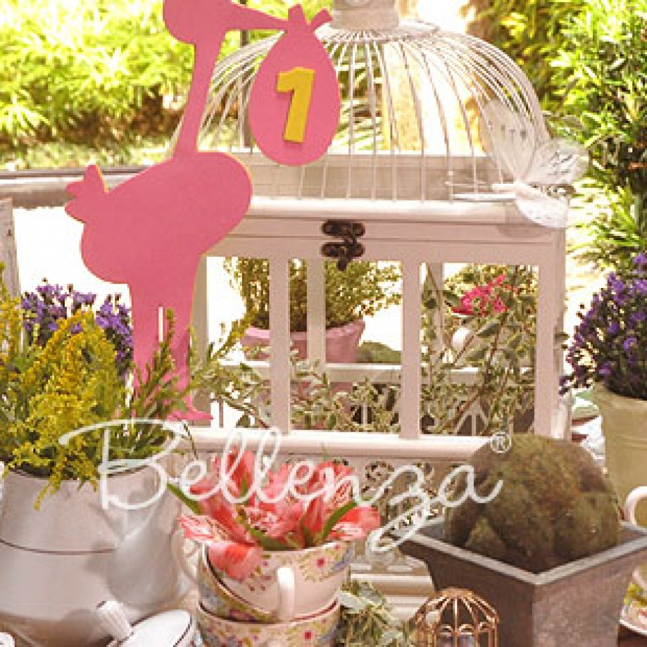 Spring Baby Shower With A Garden Theme: Decorating Ideas + Tips