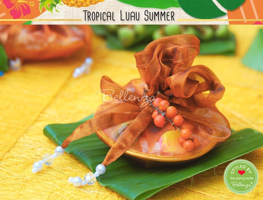 Shell dishes with fabric favor wraps