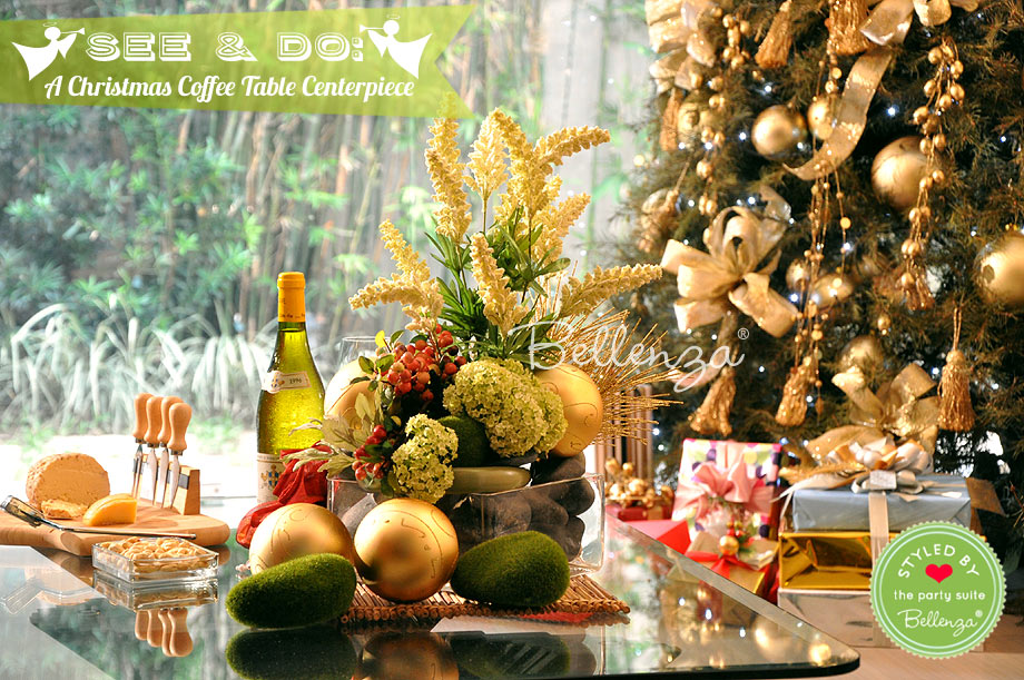 Christmas centerpiece with holiday tree in the living room / styled by Bellenza.