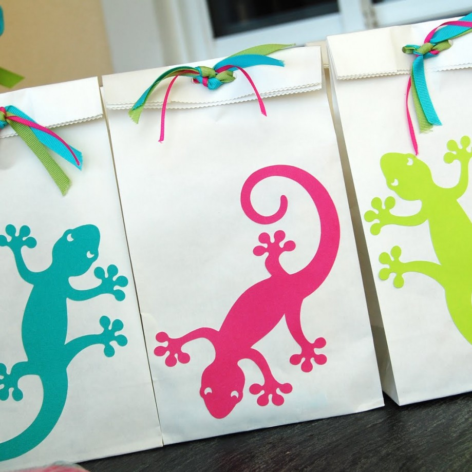 Gecko Loot Bags by Pen N' Paper Flowers