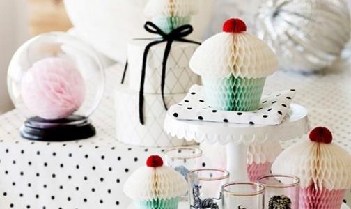 Dessert table accents from Danish brand Miss Etoile (via Heart Handmade UK)