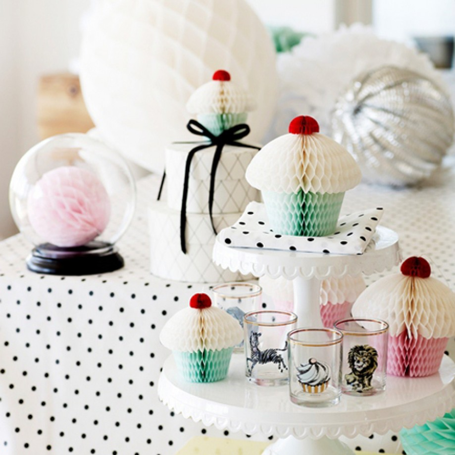 Dessert table accents from Danish brand Miss Etoile (via Heart Handmade UK)