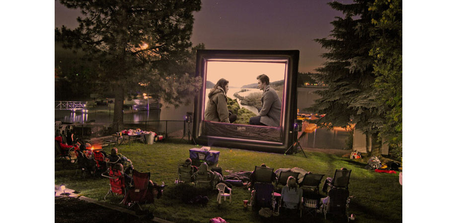 Backyard movie theme by Fun Flicks.