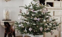 Christmas Tree via Hvítur Lakkrís