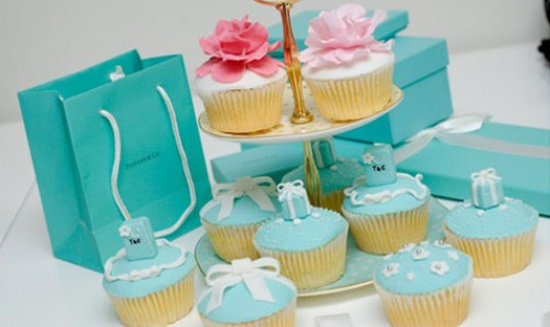 Tiffany blue cupcakes featured image by Sugar Occasions