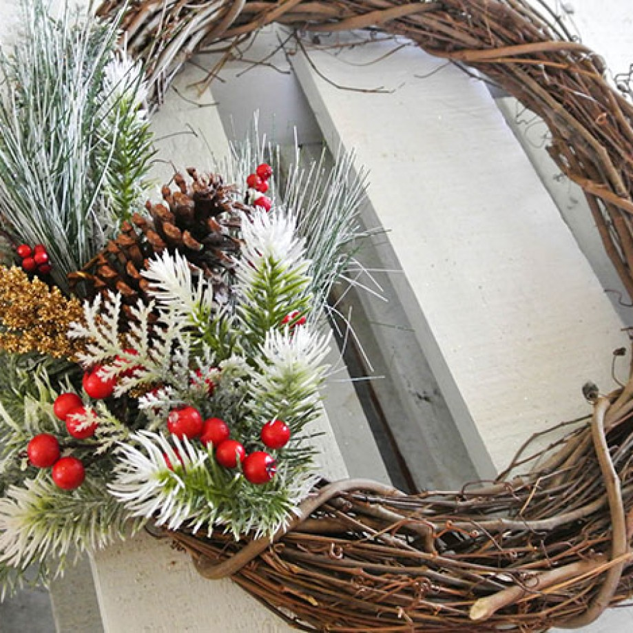 Twig and berry wreath by Dandy Boutique