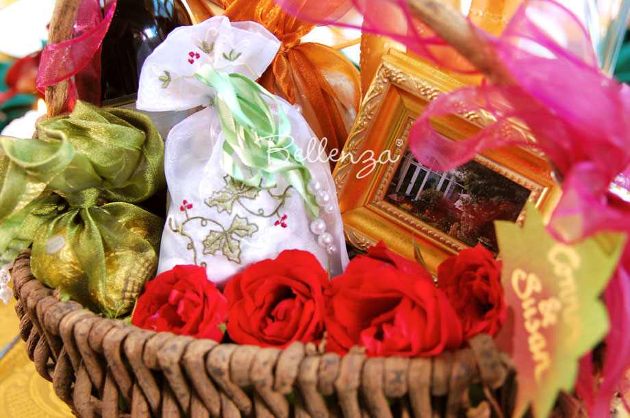 Fall-themed Gift Basket with Bellenza's Ivy-embroidered Favor Bag