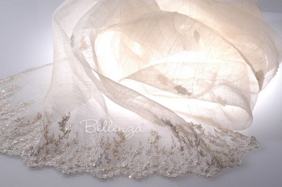 Lúlucella Embroidered Ivory Wedding Shawls