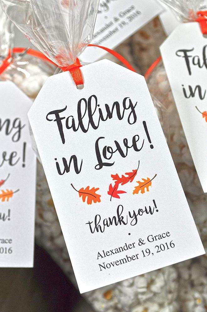 falling in love favor tags