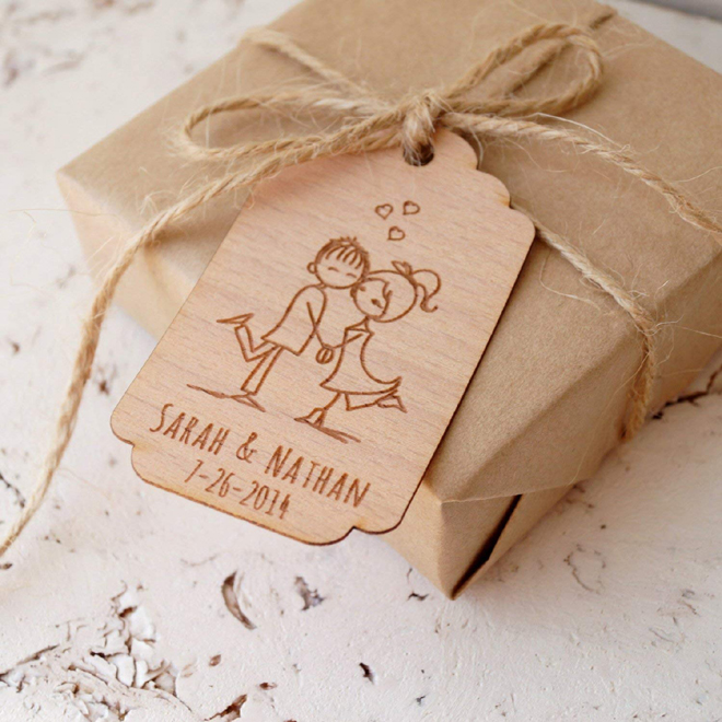 Kraft favor box with wooden tags