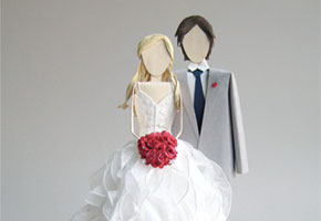 Find in Focus: Customized Wedding Cake Toppers Made of Paper