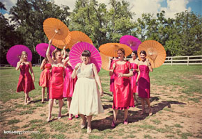 Parasols: Ultra Pretty Ways to Use Them in Your Wedding