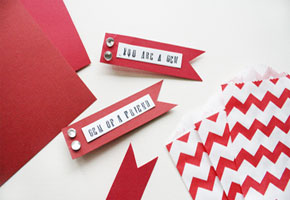 Red chevron favor bag with ribbons