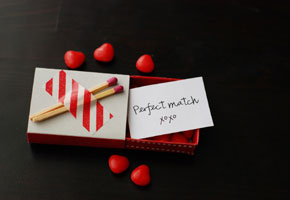  Strike Up the Perfect Match with Cool Match Box Favors