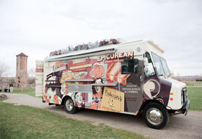 Beep Beep: Food Trucks are Coming to the Wedding!