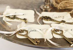 Ideas for Making Escort Cards with a Romantic Air
