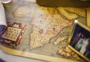 Vintage Maps Add an Elegant Flair to Your Wedding