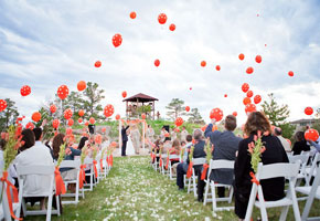 Elegant Ways to Use Balloons as Wedding Decorations