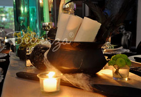 Craft a Witch&#8217;s Cauldron as a Halloween Guest Book