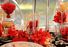 Red tablescape with pearl centerpieces