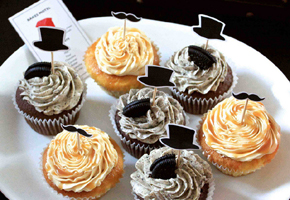 Monopoly cupcakes favors by Never Ending Ideas of Singapore