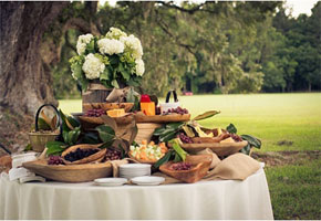 Deliciously Stylish: Food Stations for Outdoor Rustic Weddings!