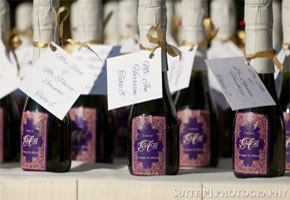 8 Ways to Package Mini Wine Bottles as Wedding Favors