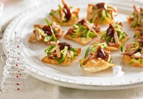 Scrumptious Appetizers + Desserts: A Modern Chinese Wedding!