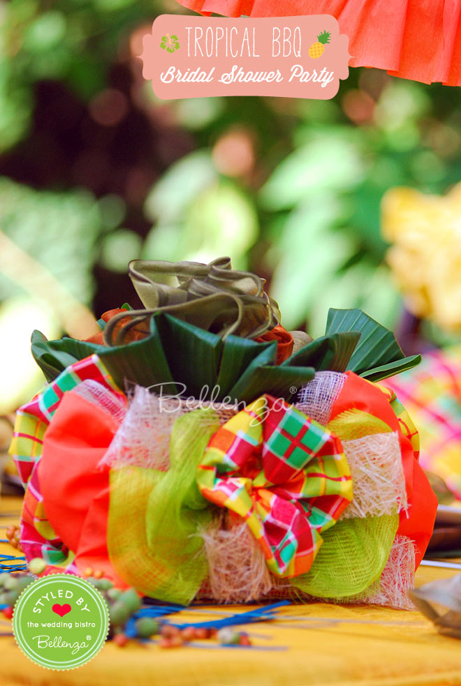 Create centerpieces that are made of textured materials and colorful fabrics.