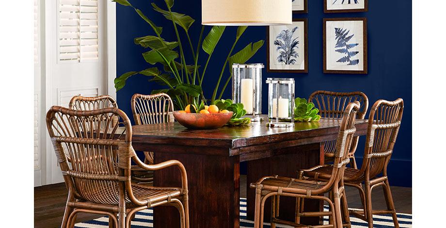wooden dining table via willams sonoma