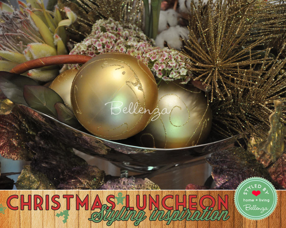 Large gold baubles centerpiece