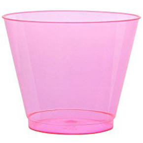 Neon cup // Curated Finds for a Glam Pink and Gold Party