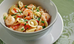 Greek shrimpt pasta. Photo by Cooking Weekends