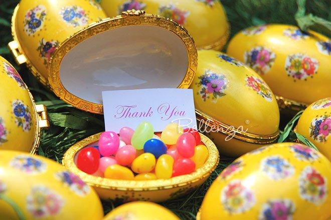 Yellow keepsake egg boxes via Bellenza