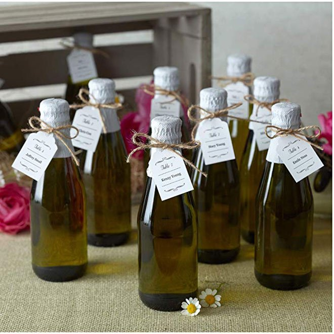 Scalloped favor tags