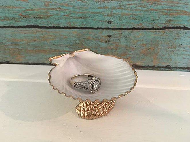Seashell ring dish
