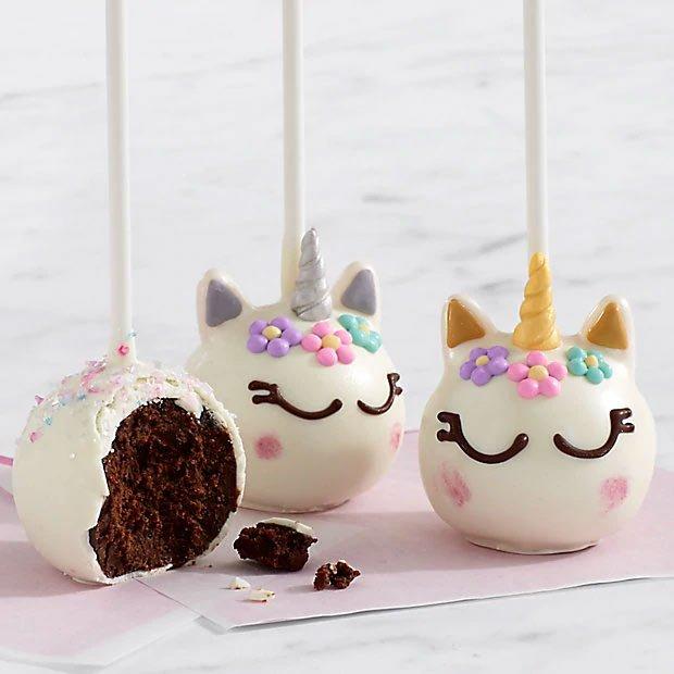 Unicorn brownie pops