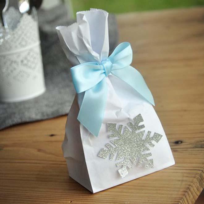 snowflake favor bag