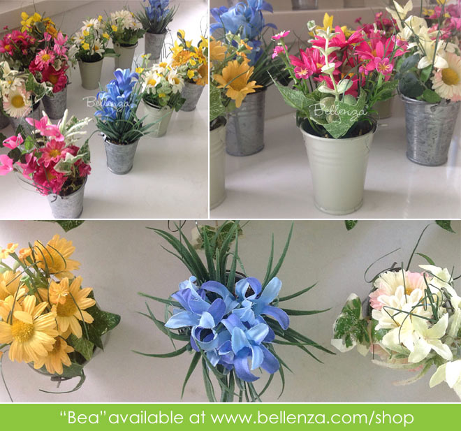 Mini wildflowers in galvanized favor buckets
