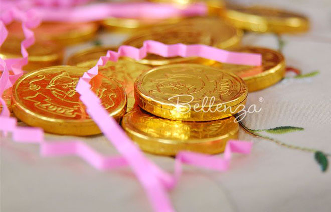 Give gold chocolate coins as birthday favors