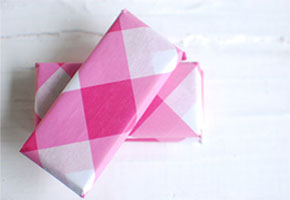 Fuchsia and pink favor packaging in gingham
