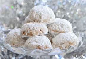 White sugar powdered cookies