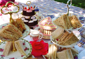 English-style wedding picnic food
