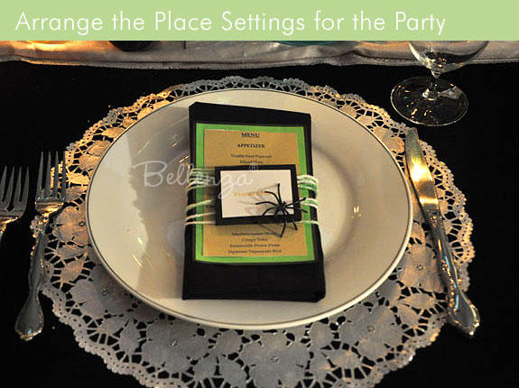 Halloween menu card with spiders, green card stock, place setting