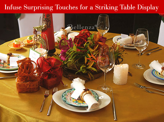 Table setting decorations in gold and red