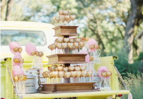 Pie pops on truck. Source via Brides.com
