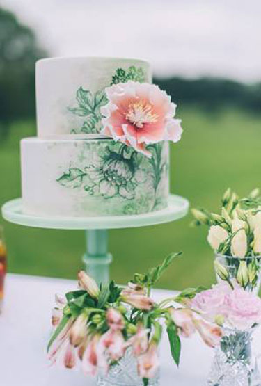 Floral Handpainted Cake | via Brides.com