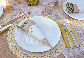 Favor Cones DIY from Bellenza for a Vintage Country Themed Wedding