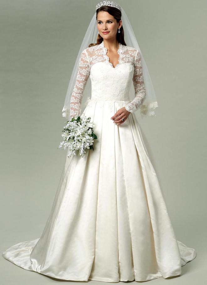 Misses' Lace-Overlay Dress with Train (B5731)